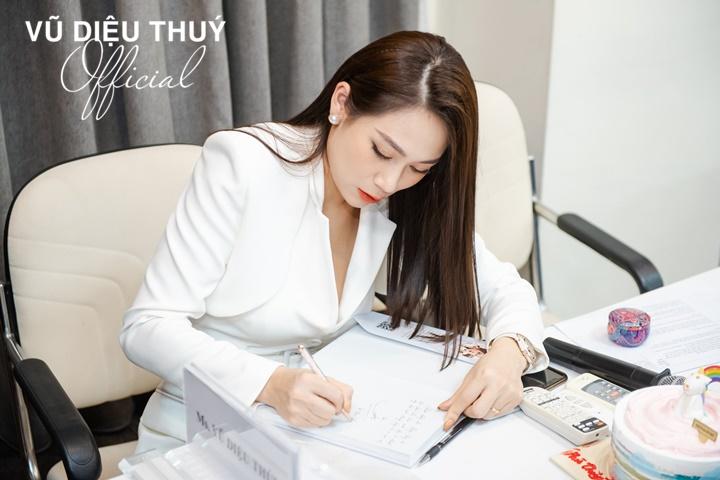 khoa-hoc-xay-dung-thuong-hieu-ca-nhan-chuyen-nghiep